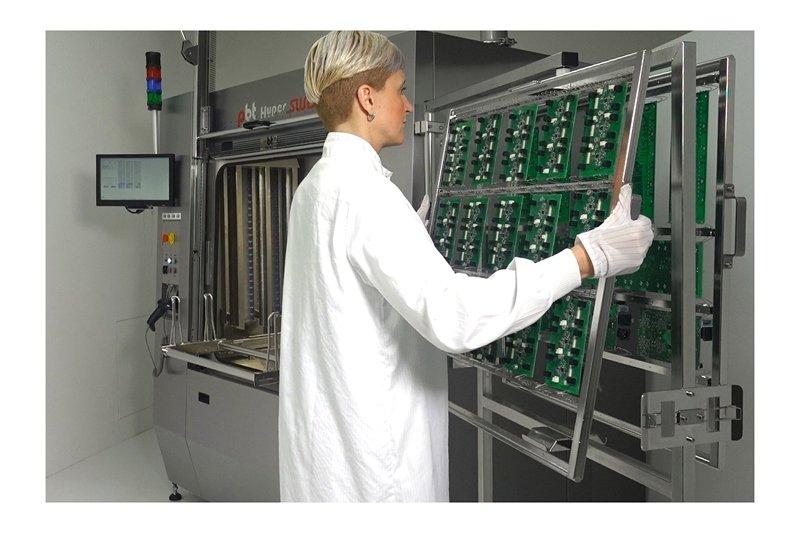 Reinigung-Elektronik-HyperSWASH-3.jpg
